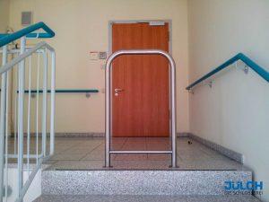 Treppen Absturzsicherung Edelstahl Bügel Pflegeheim