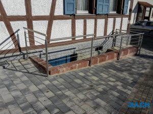 Edelstahl Absturzsicherung Geländer waagrecht Stäbe Kellerabgang