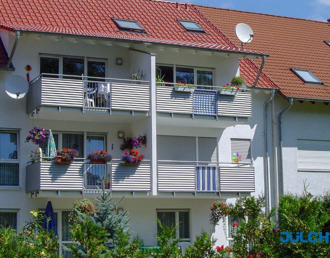 Balkon Gelaender alu Wellblech