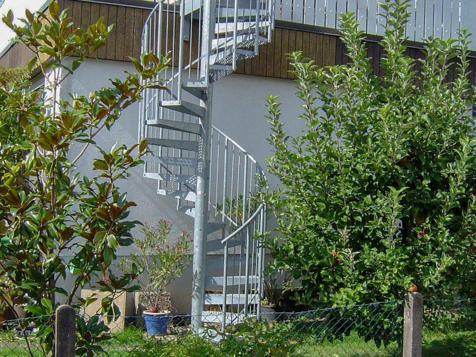 Wendeltreppe freistehend, Balkon Zugang