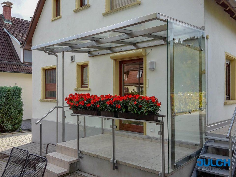 Edelstahl Ueberdachung VOrdach Windschutz Glas Ganzglas Seitenteil Blumenkasten