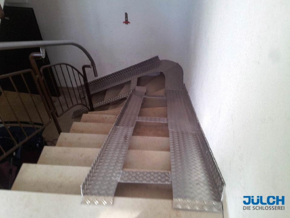 Rampe Treppe Treppenhaus Innen Alu Warzenblech Klappbar massanfertigung