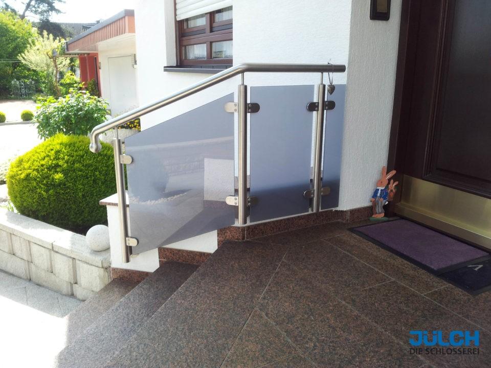 Handlauf Hauseingang Treppe Gelaender, Glas mit grauer Folie