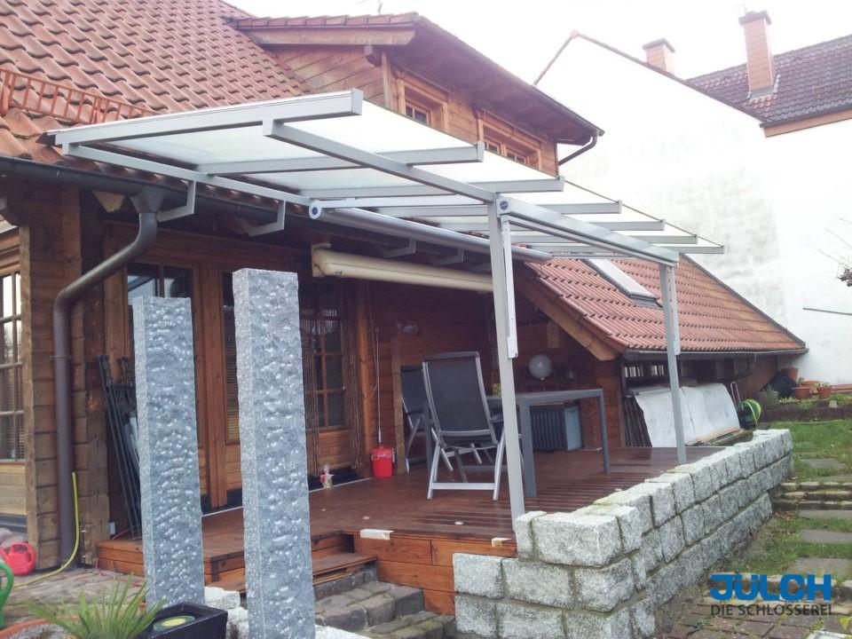 Balkon Uberdachung Landhaus Holzbalken Montage Spezialloesung Sonderanfertigung Dacherweiterung aus Stahl
