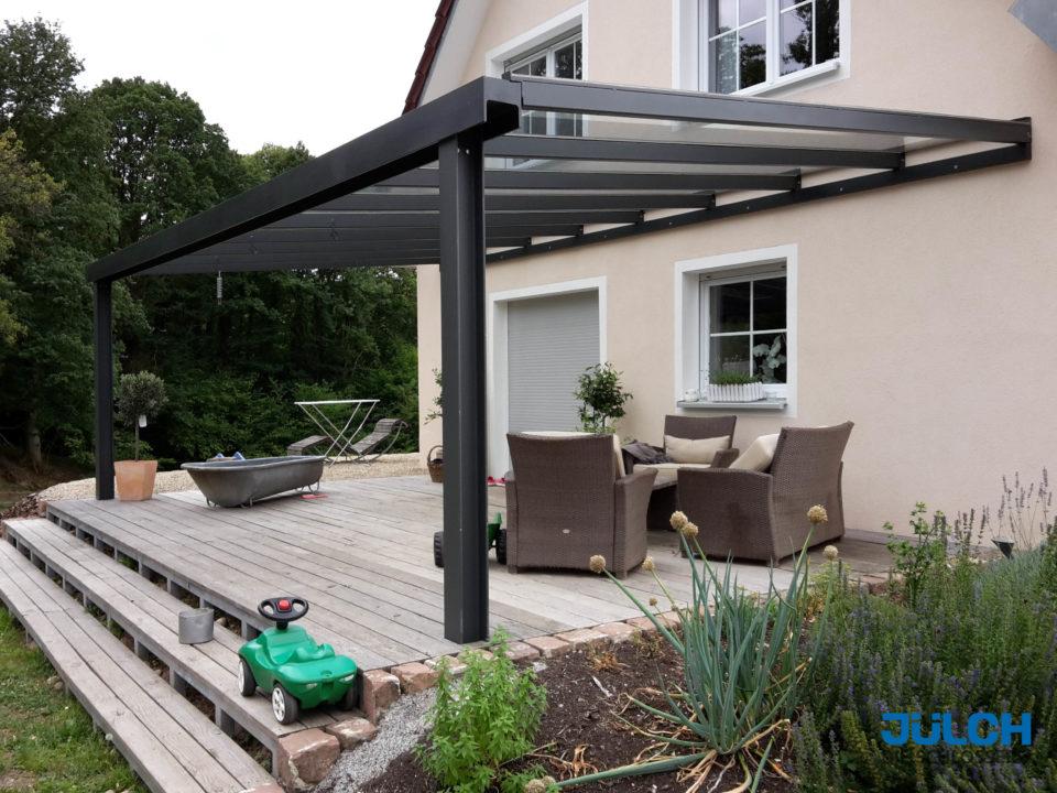 Garten Terrasse anthrazit Ueberdachung Sitzplatz aussen Regenschutz